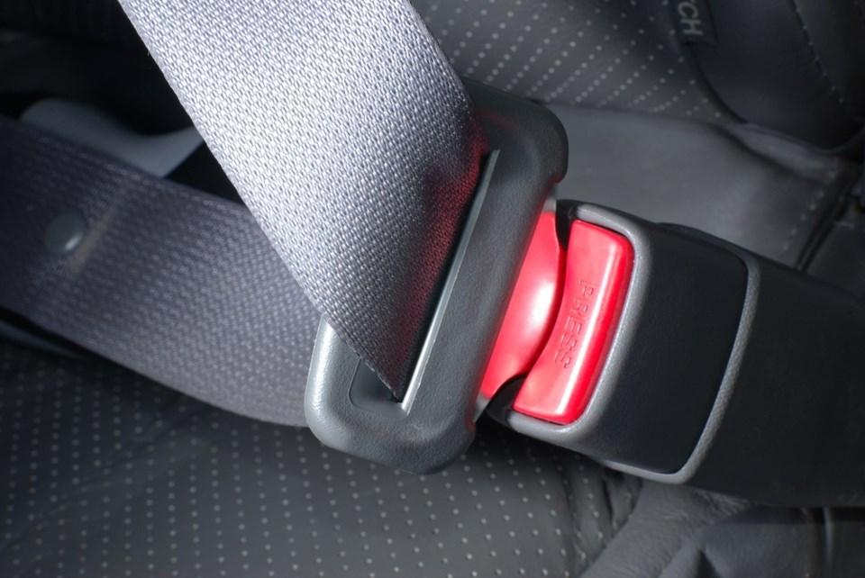 seat belt shutterstock_130277936 2016