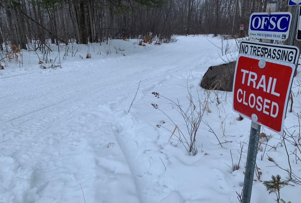 2020 snowmobile trail closed sign wide turl