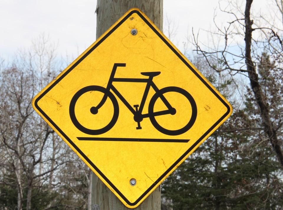 bike path sign turl 2015