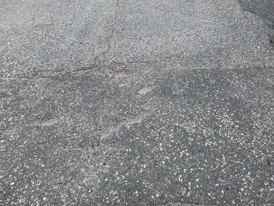 20190814 asphalt driveway turl
