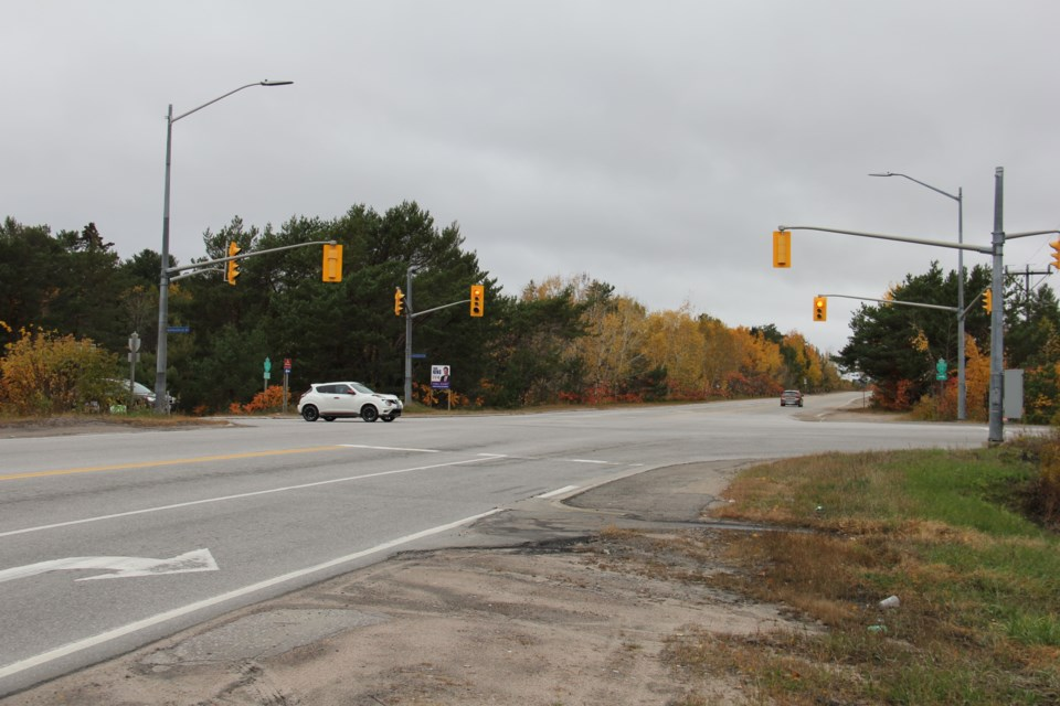 The Lakeshore/Pinewood/Lamorie intersection will be getting an upgrade. Jeff Turl/BayToday.