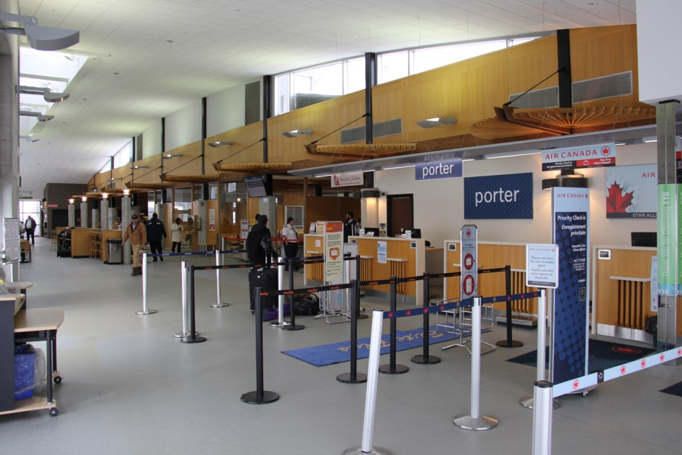202100606 jack garland airport interior turl