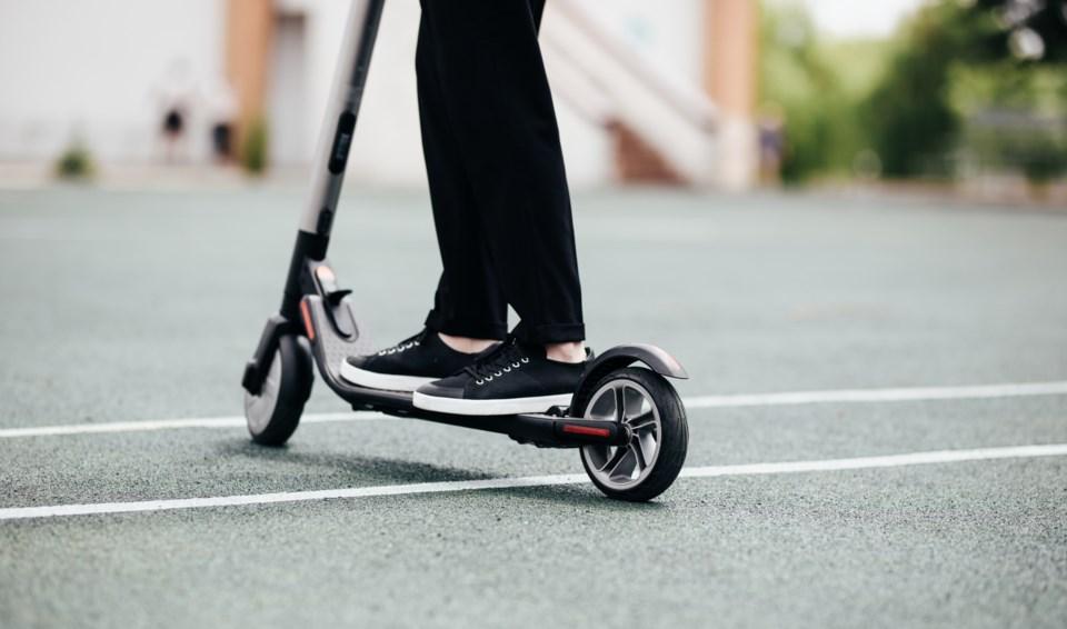 e-scooter AdobeStock_213793504