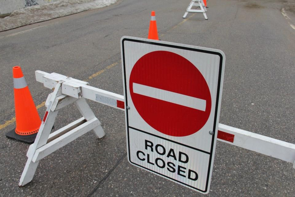 road closed golf course road turl 2017