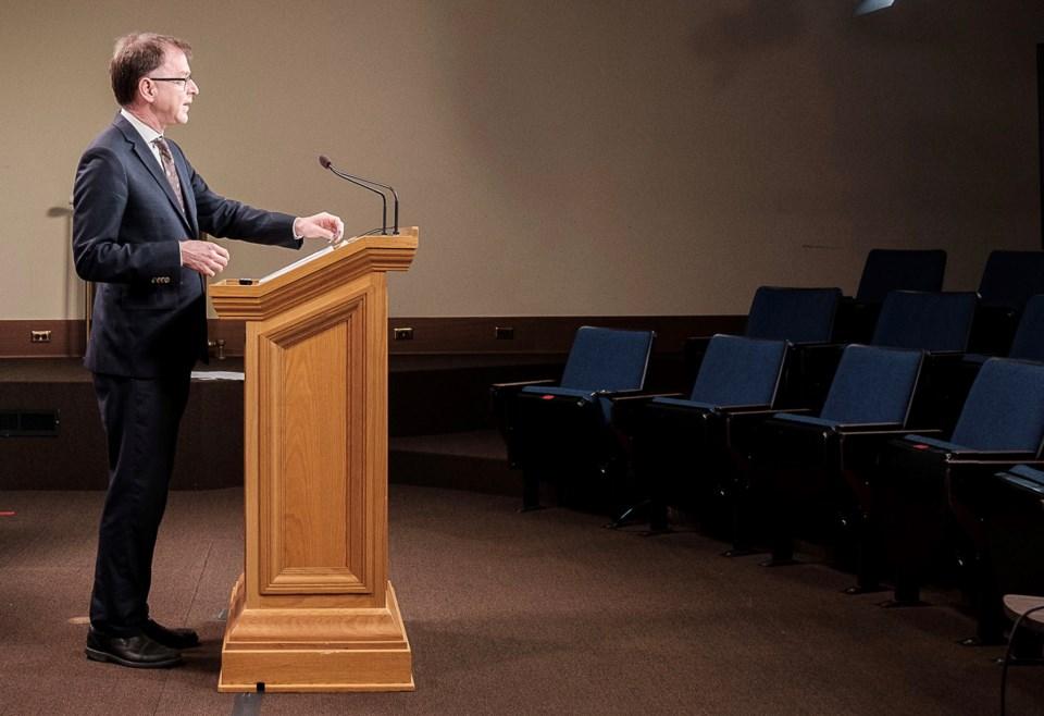 Dix speaks in empty room
