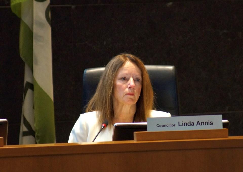 Linda-Annis-creditGraemeWood