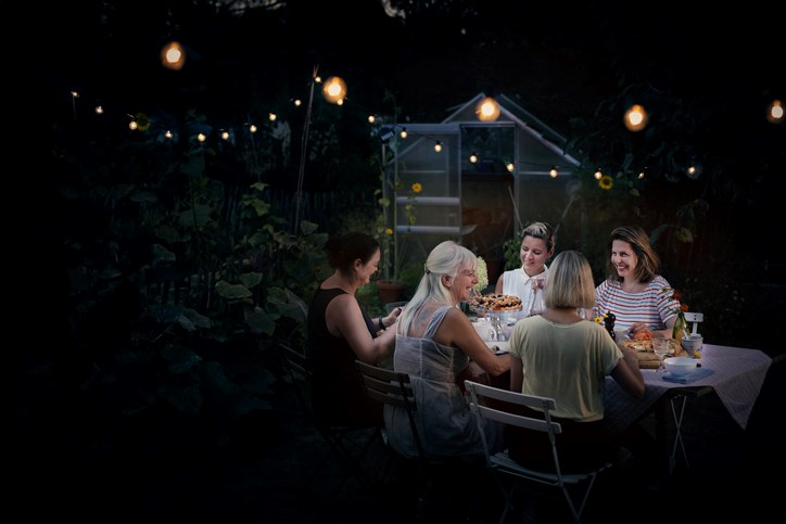 Outdoor-dinner-party-Uwe-Krejci-GettyImages