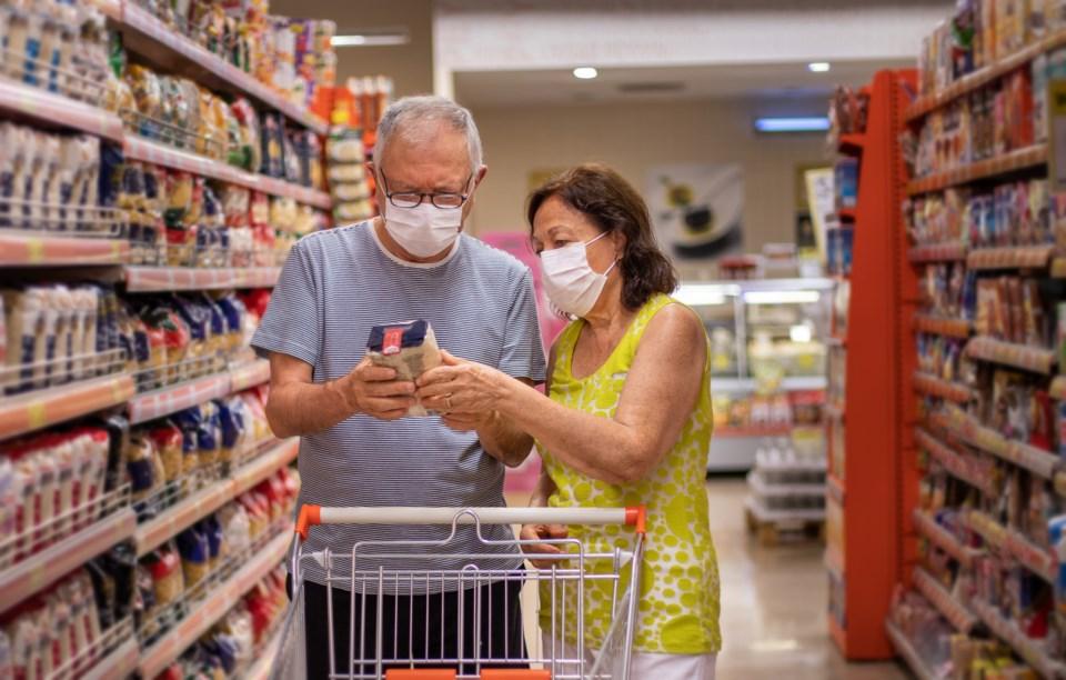 Shopping with masks - getty images 2 Gulcin Ragiboglu
