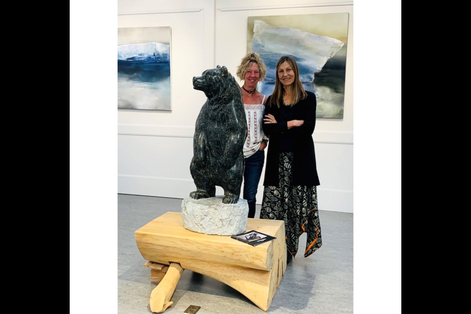 """Cathy Jenkins and Hearth executive director Jami Scheffer at the """"On the Edge of Beauty"""" exhibit on from Sept. 1 to Sept. 27, 2021."""