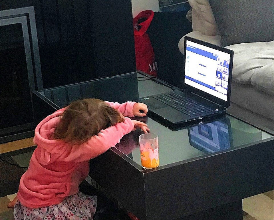1Kids go back to virtual learning again after spring break_2020-1 (1) (1)