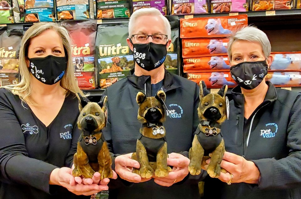 Pet Valu Owners with Nitro Plush Pups