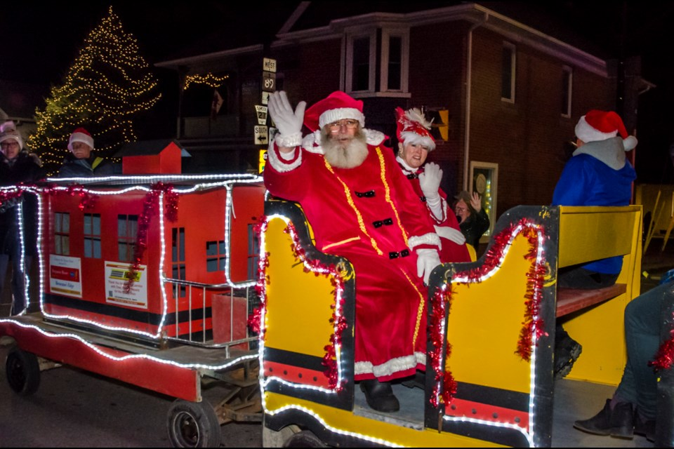 The coziest corner in Innisfil celebrated the 2019 Holiday Season with Light Up Night and the Santa Claus Parade. Dave Kramer for BradfordToday.