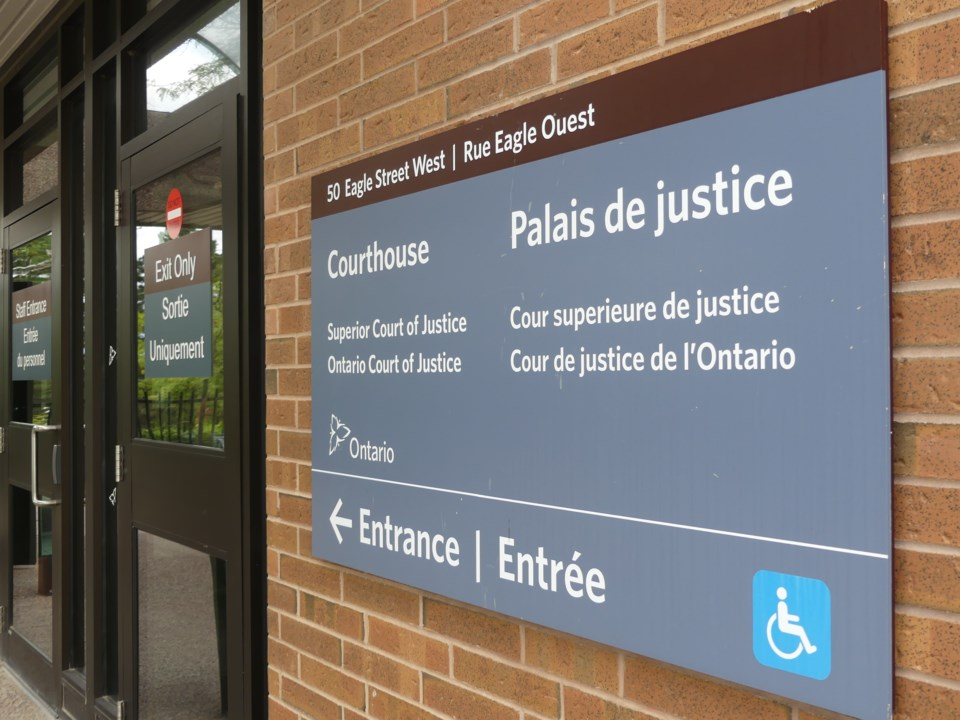 2018-09-20-newmarket courthouse2