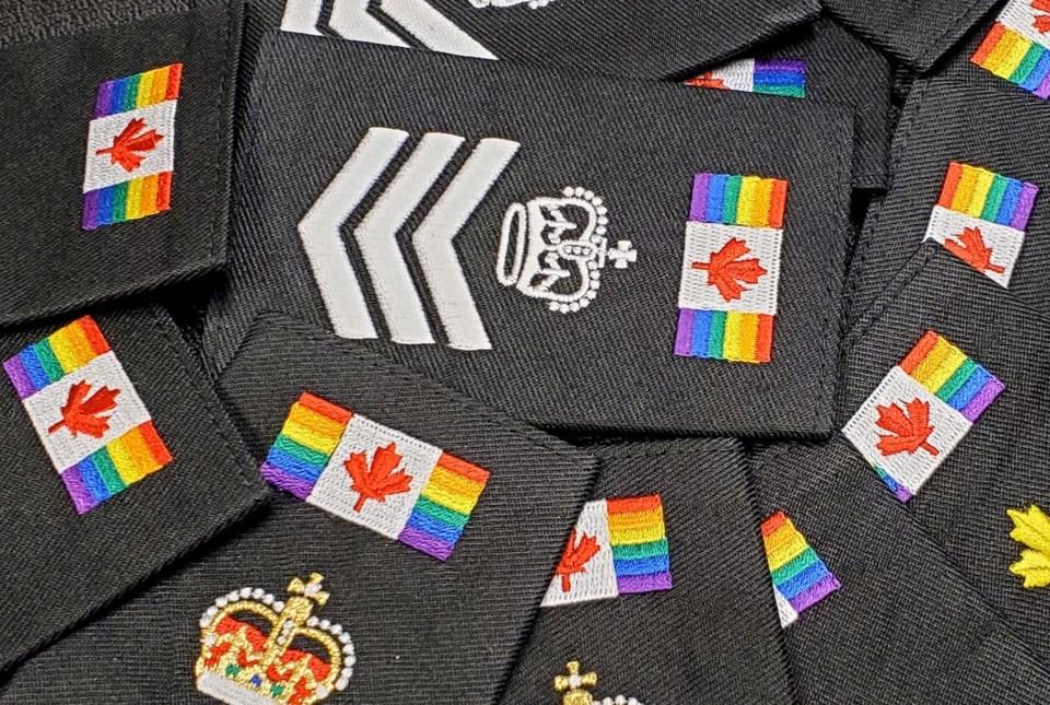 2021-06-01 SSPS Pride Epaulettes