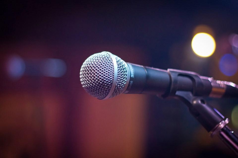 Microphone - Pexels file