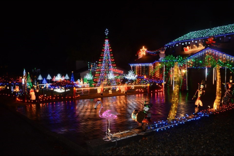 christmas-lights-duplessis burnaby