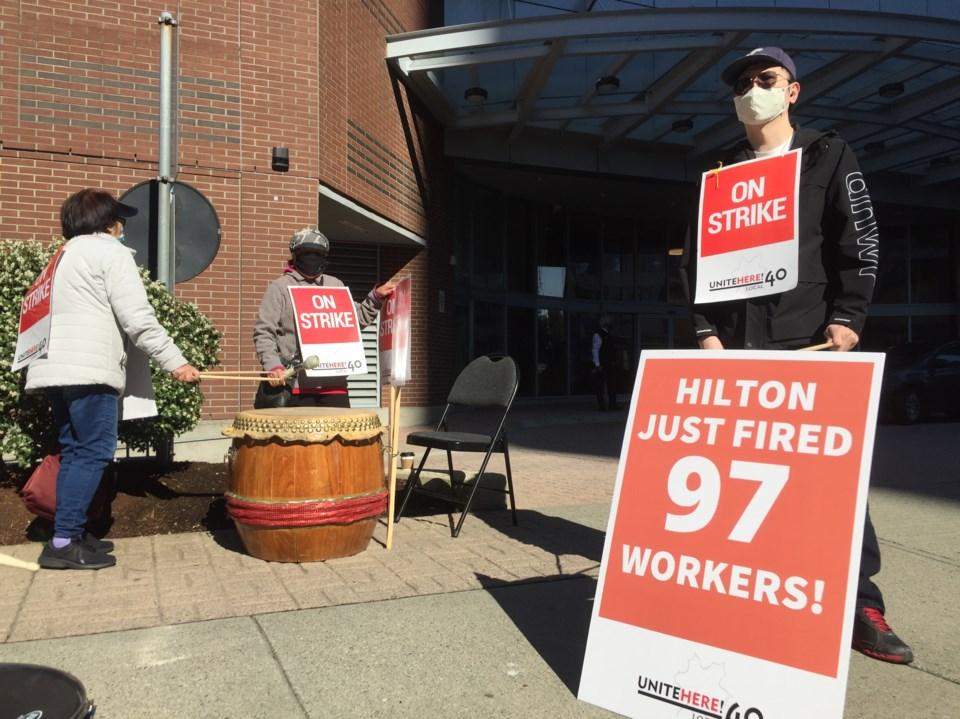 Hilton Metrotown walk2 out1