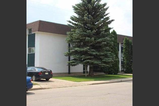 Regal-Manor-Apartments-rental-moose-jaw