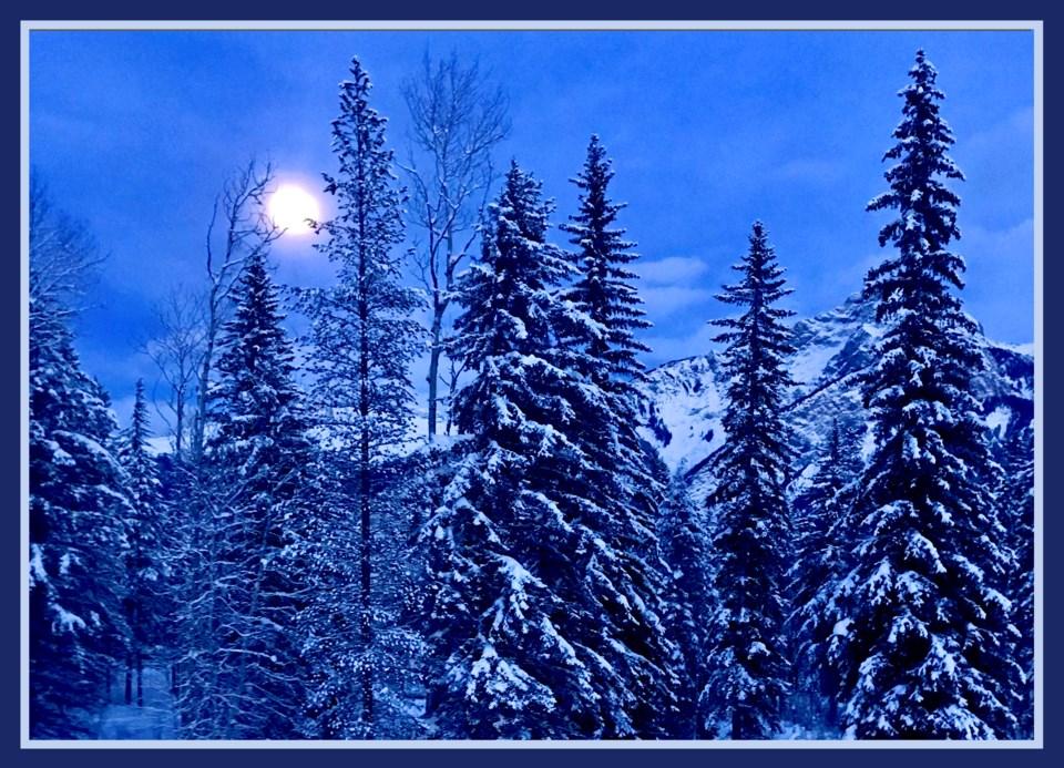 IMG_3198 -- moonrise -hi res-e11-9x6h-frm