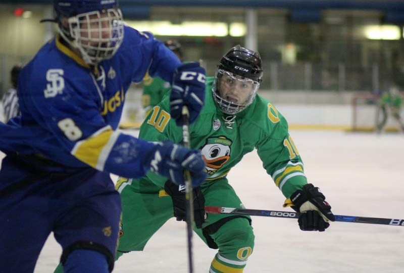 Former Cochrane Generals star is now skating with the University of Oregon Ducks hockey team.
