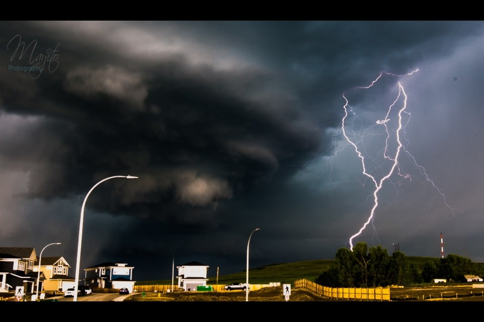 Thunderstorm shot captured by Mayito Photography in Heritage Hills, Cochrane, AB.