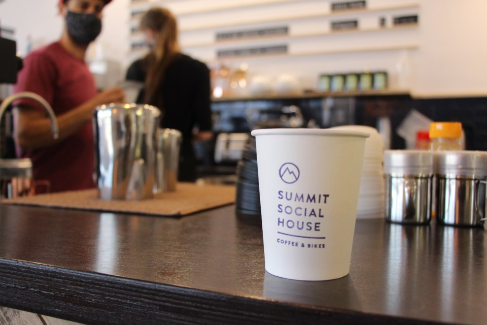 Summit Social House is a full-service, bike-friendly cafe in Collingwood.