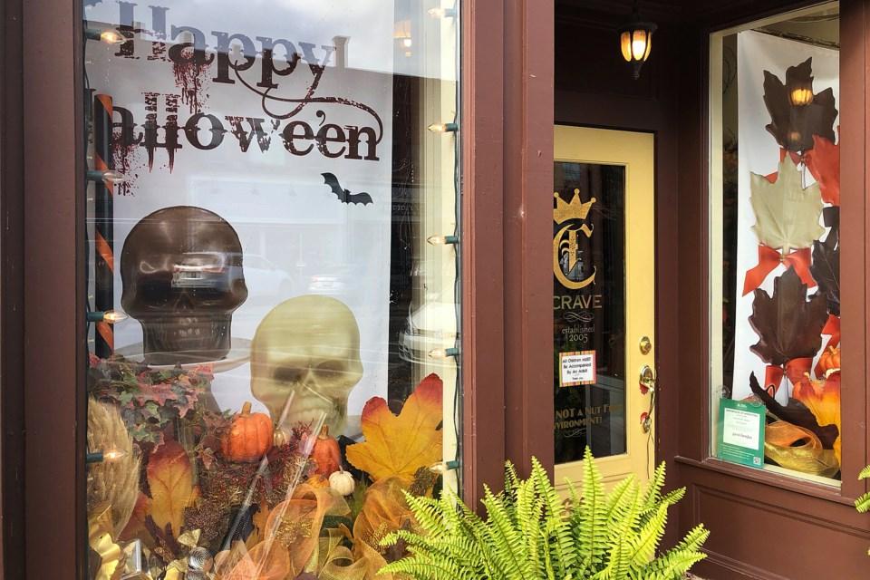 2018-10-17-HalloweenWindows-EE