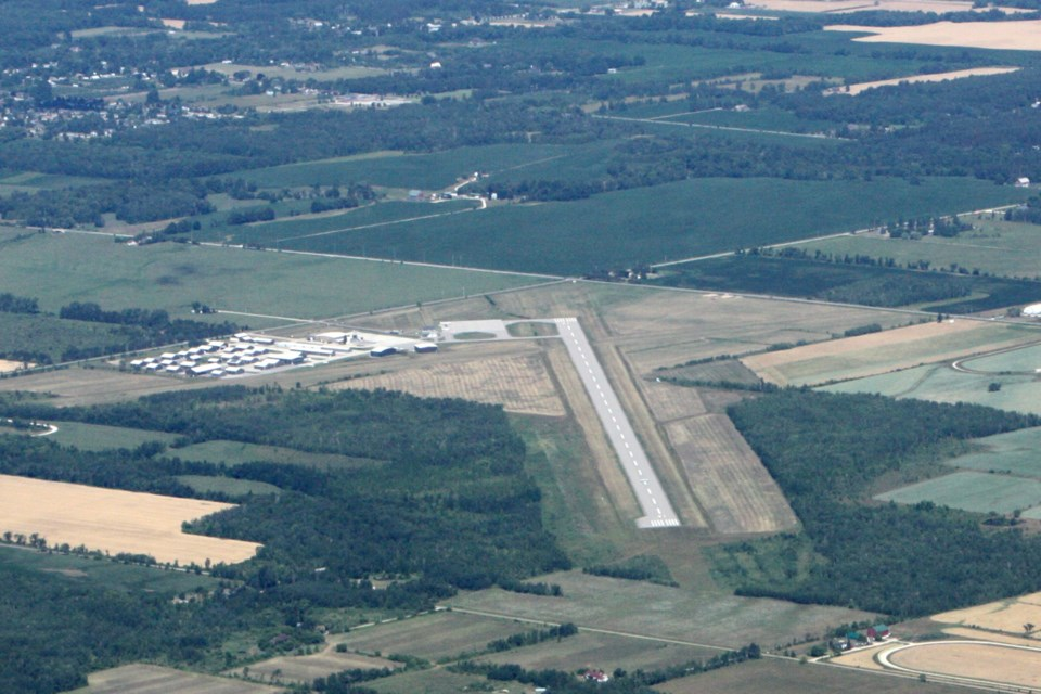 10042018-CollingwoodAirport-EE
