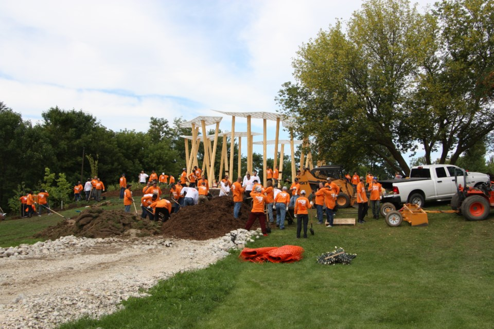 Volunteers from the United Steelworkers Union spent Sept. 6 working at various sites along Collingwood's waterfront on park projects. Erika Engel/CollingwoodToday