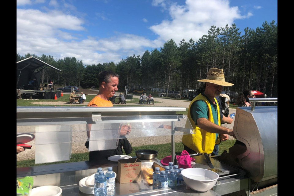 Barbecue lunch. Maddie Johnson for CollingwoodToday