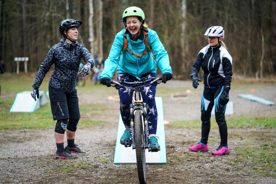 A Minii Adventures student learns how to ride obstacles. Maddie Johnson for CollingwoodToday