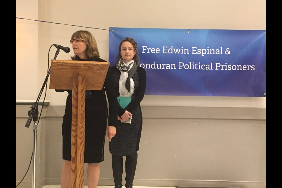 Janet Spring and her daughter Karen, speaking at the April 8 meeting in Elmvale about the campaign to free Edwin Espinal and other Honduran political prisoners. Erika Engel/Collingwood Today