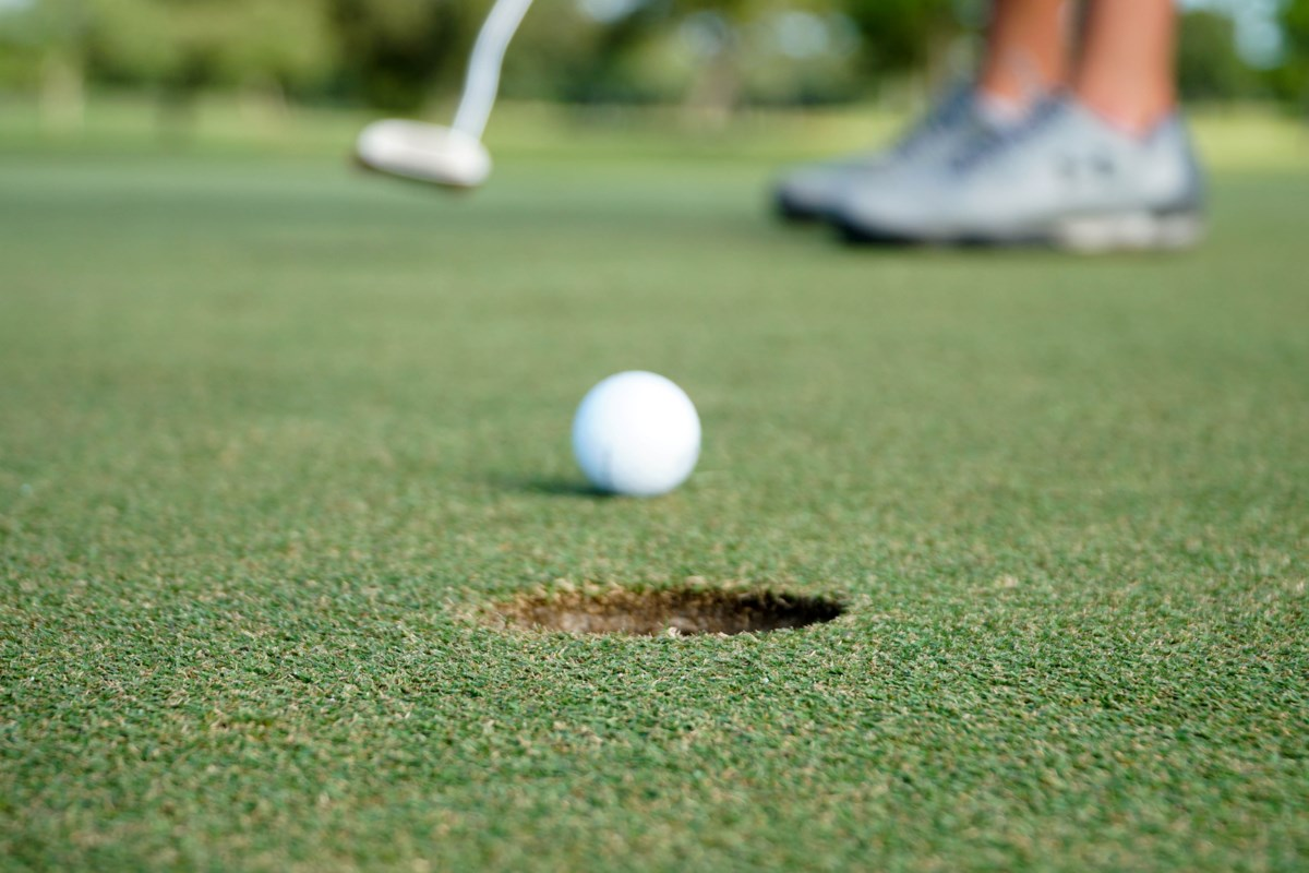 Golf course remains open, citing confusion over provincial orders