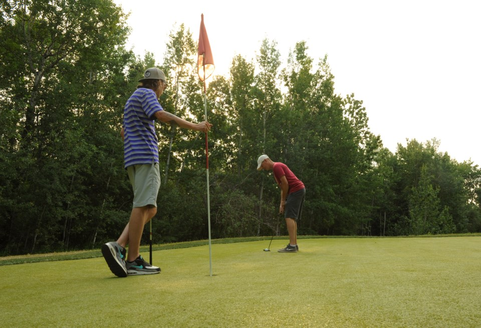 Grande Prairie Bear Paw Par 3 golf putting JDerksen