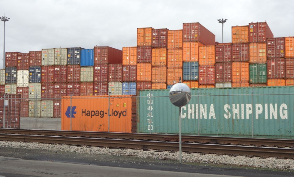 Deltaport containers