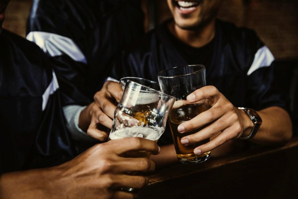 bar glass cheers