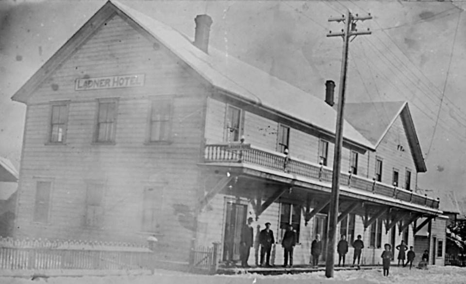 Ladner Hotel, 1900