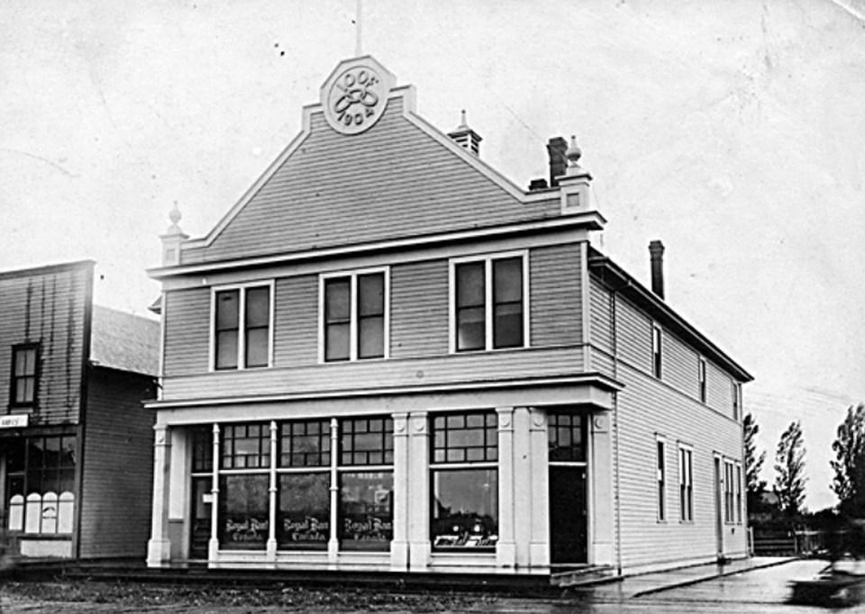 ladner royal bank building 1910