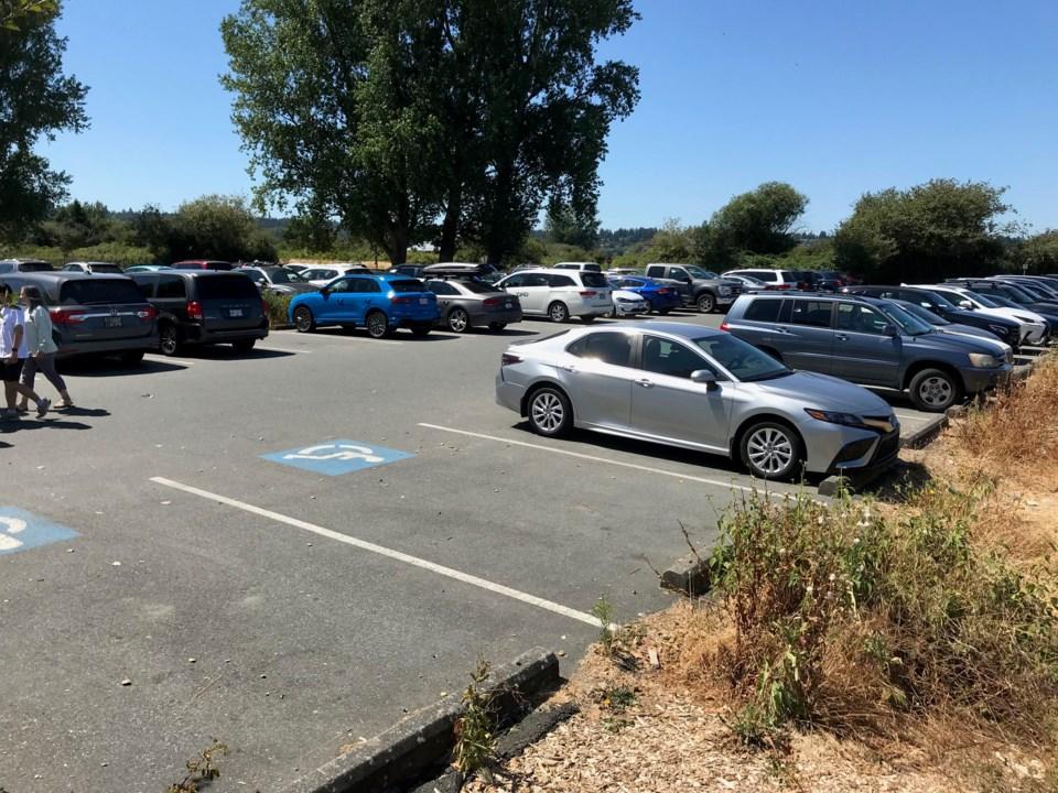 Centennial Beach parking