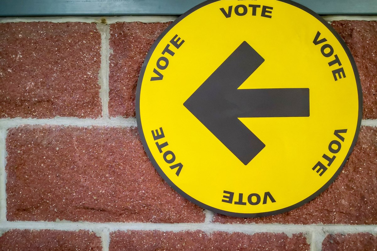Liberal goverment re-elected, Ashton and Vidal lead in northern ridings early