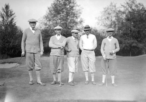 Golfers in a tournament at the Shaughnessy Golf Club, 1927. The 18-hole course and clubhouse, once located at 1400 West 33rd Avenue, now is the site of VanDusen Botanical Garden.
