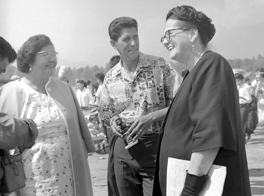 Maisie Hurley (right) at the 'Salish canoe races' in North Vancouver in May, 1962.