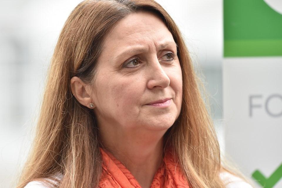 Estrellita Gonzalez (Green Party).
