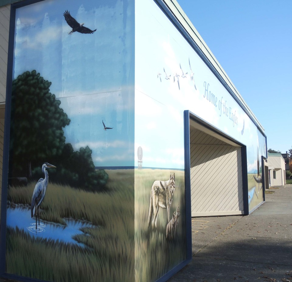 New school mural soars into students' view_0