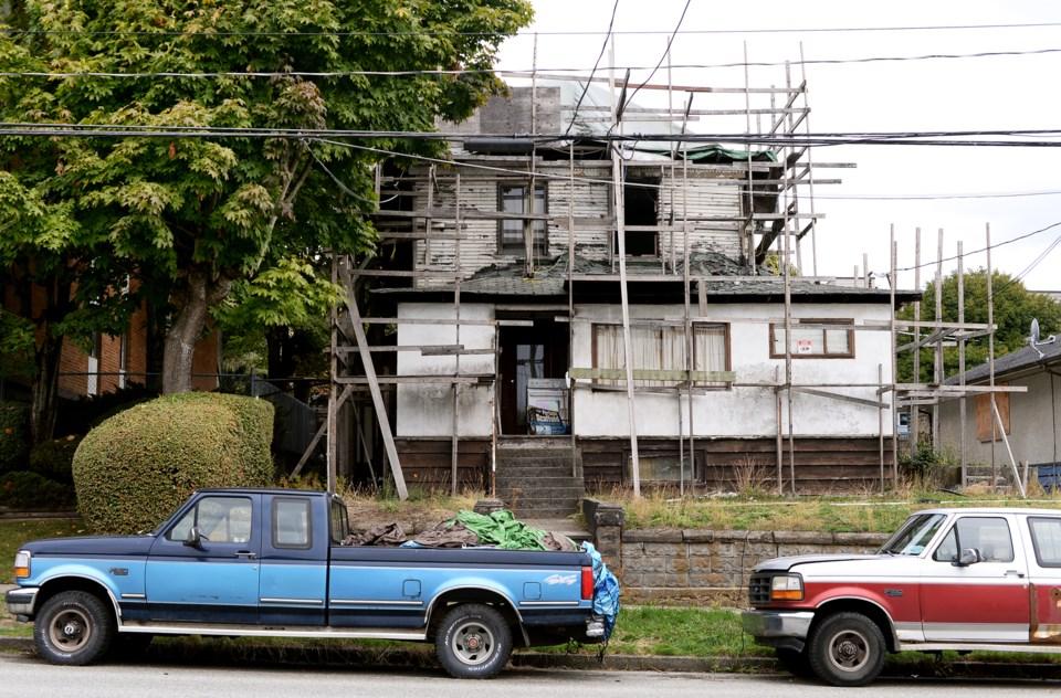 Derelict hosue 509 11th Street