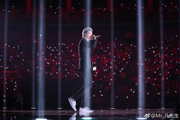 Richmond artist Kris Wu first Chinese Super Bowl performer. Image courtesy Kris Wu Weibo