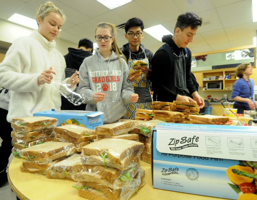 Sutherland student make lunches