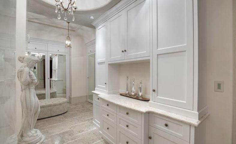 Surrey villa listing master dressing room