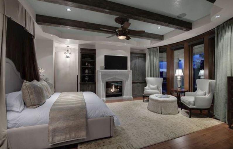 Surrey villa listing master bedroom