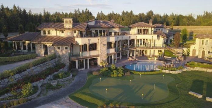 Surrey villa listing exterior